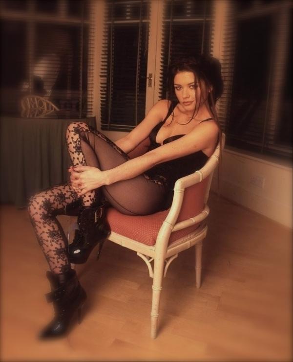 catherine-zeta-jones-legs-legs-923959050